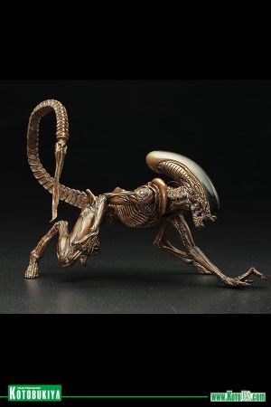 ALIEN 3 MOVIE: DOG ALIEN ARTFX+ STATUE