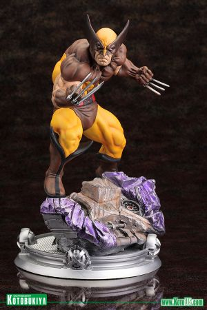 MARVEL WOLVERINE BROWN COSTUME -DANGER ROOM SESSIONS FINE ART STATUE