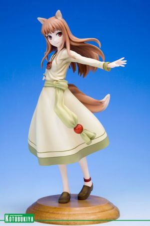 SPICE AND WOLF HOLO ANI STATUE (REPRODUCTION)