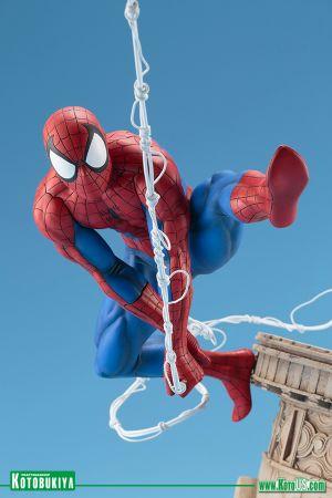 MARVEL UNIVERSE SPIDER‐MAN WEBSLINGER ARTFX STATUE