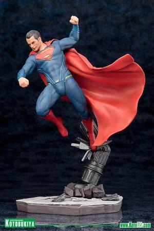 BATMAN v SUPERMAN: DAWN OF JUSTICE MOVIE SUPERMAN ARTFX+ STATUE