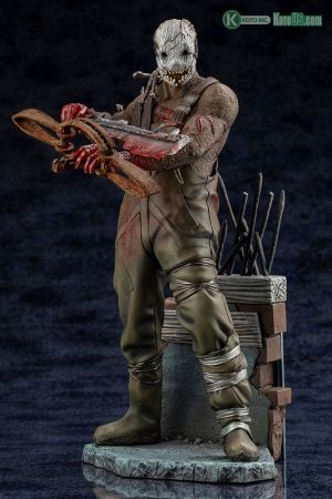 DEAD BY DAYLIGHT THE TRAPPER STATUE - With Limited Bonus Part
