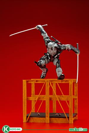 SUPER DEADPOOL X-FORCE LIMITED EDITION ARTFX STATUE