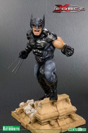 MARVEL COMICS X-FORCE WOLVERINE FINE ART STATUE